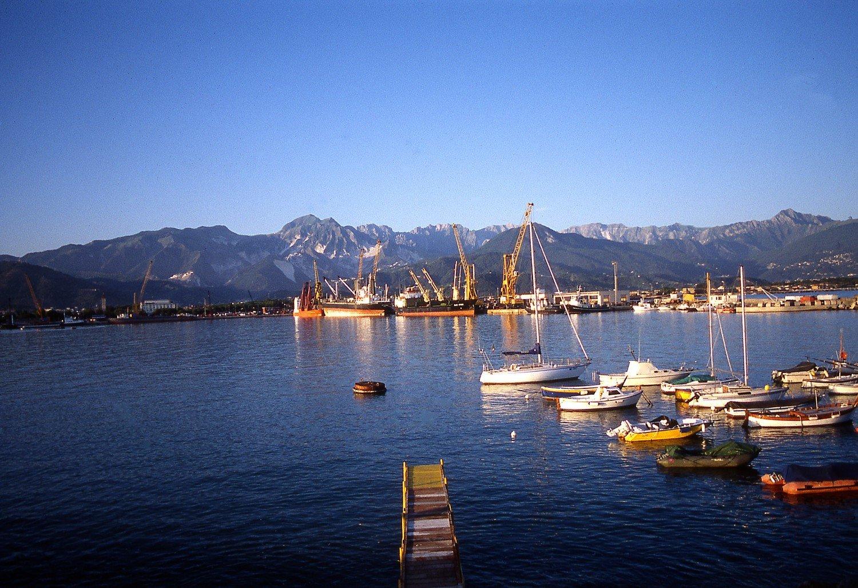 porto marina di carrara
