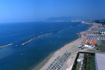 Marina-di-Massa_Veduta-da-Torre-Fiat-360x240